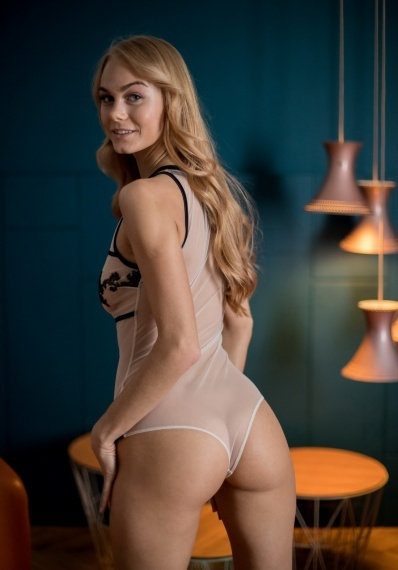 Merisa, stunning Russian escort in Rome for sex