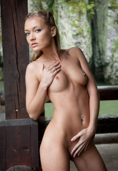 Evangala, stunning Russian escort in Rome for sex