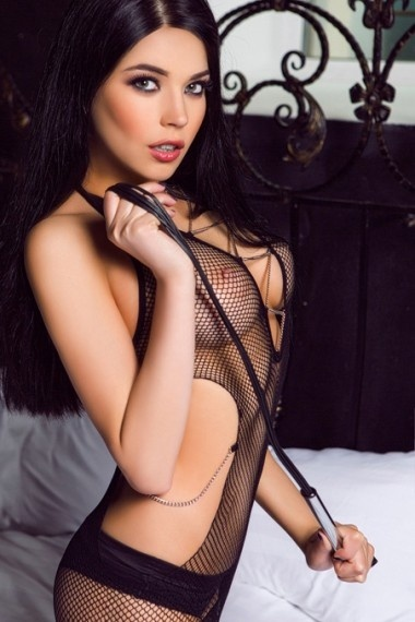 Oktavia, beautiful Russian escort who offers 69 in Rome