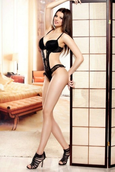 Katrina, beautiful Russian escort who offers 69 in Rome