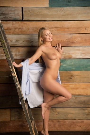 Radmila, beautiful Russian escort who offers massages in Rome
